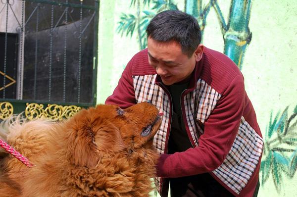 Хонг Донг со своим хозяином
